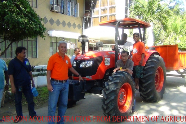lgu-labason-acquired-new-tractor-from-department-of-agriculture-copy3061AB9A-72A1-E103-67B3-2B19F07F2724.jpg